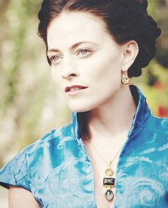 Irene Adler, The Woman / Lara Pulver <<<--- also Isabella of Gisborne on Robin Hood! And she is so beautiful! Josh Dallas is a complete idiot! Sherlock And Irene, Sherlock Holmes Series, Sherlock Season 3, Sherlock John, Robin Hood Bbc, Lara Pulver, Irene Adler, Beautiful People, Beautiful Women