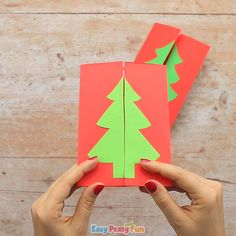 Another day, another homemade Christmas card idea – let's make this DIY Christmas tree card together! This fun handmade Christmas tree card idea is great for all ages. Both kids and grown ups will enjoz making this Chrsitmas card. Preschool Christmas Crafts, Christmas Card Crafts, Christmas Tree Cards, Handmade Christmas, Ideas For Christmas Trees, Origami Christmas Tree, Santa Crafts, Modern Christmas, Christmas Activities