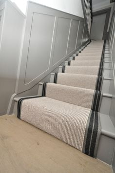 wool stair runners Bowloom wool carpet, fitted stair runners with Stripe P - Colour 2 binding tape Outdoor Stair Railing, Stair Railing Design, Carpet Staircase, House Staircase, Modern Staircase, Stair Paneling, Stairs Stringer, Hallway Colours, Hallway Inspiration