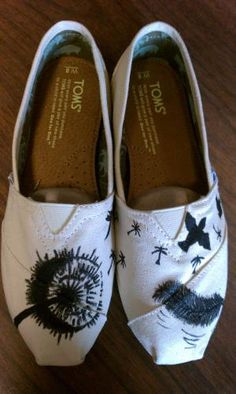Custom Hand Painted Dandelion TOMS by jordanforrest on Etsy... matches the tattoo I wanna get!