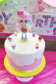 Party Printables and Party Cupcakes by Akrivi's Birthday / Shopkins - Photo Gallery at Catch My Party Shopkins Birthday Cake, Shopkins Cake, Birthday Cake Pops, Raspberry Smoothie, Apple Smoothies, Bunny Party, 6th Birthday Parties, Cupcake Party, Party Ideas