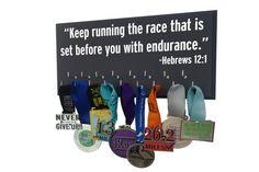 Ausführung Medaille Display Rack / inspirierende Bibel Vers / laufen Medaille Halter / Läufer eine Medaille Rack / race Medaille Halter / laufen