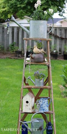 Garden Art Ideas Watering can garden art gallery-I have the ladder, now just to find the cute watering cans!Watering can garden art gallery-I have the ladder, now just to find the cute watering cans! Garden Patio Sets, Garden Yard Ideas, Garden Crafts, Diy Garden Decor, Garden Projects, Party Garden, Garden Ladder, Garden Junk, Yard Art