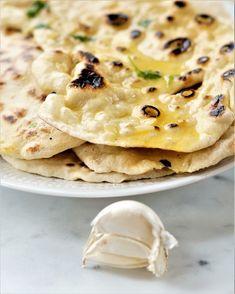 Garlic Naan, Indian Food Recipes, Ethnic Recipes, Flatbread Pizza, Cheese Bread, Bread Baking, Paella, Tapas, Nom Nom