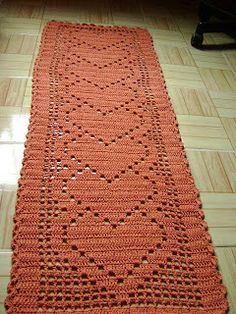Crochet heart runner, filet work ♥LCD♥ with diagram