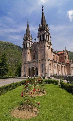 Basílica de Santa María la Real de Covadonga, Asturias, Spain | Flickr - Photo by Jambuling
