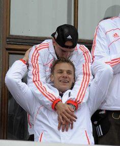 Ribery e Manuel Neuer -- Bayern de Munique 2013 - comemoração pela Tríplice coroa (DFB-Pokal, Bundesliga e UEFA Champions League).