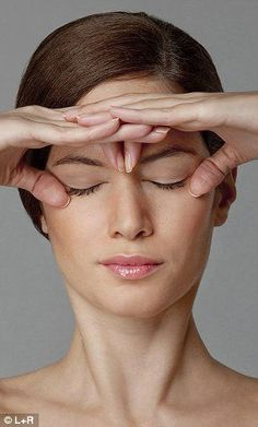 Facial toning using yoga facial exercise acupressure massage techniques is the ultimate facial toning system - without resorting to expensi. Yoga Facial, Massage Facial, Facial Muscles, Hair And Beauty, Just Beauty, Beauty Skin, Health And Beauty, Anti Rides Yeux, Face Exercises