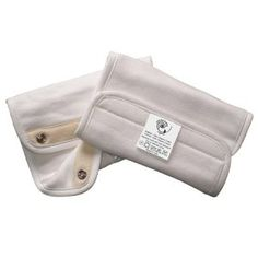 Organic Teething Pads for ERGO Carrier. Now available in soft, organic cotton, these Natural Teething Pads will ensure that teething babies enjoy only the purest fabric, while also preserving the original color of your ERGObaby Carrier. Ergo Carrier, Rock N Play Sleeper, Gifts For Pregnant Women, Best Double Stroller, Best Baby Carrier, Baby Teethers, Baby Health, Oral Health, Baby Games