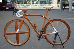Risultati immagini per wooden bike frame Wood Bike, Bike Builder, Bike Art, Bike Frame, Bicycle Design, Custom Bikes, Visual Merchandising, Sculptures, Woodworking