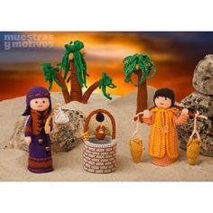 Divertidas figuras navideñas para tejer a crochet a todo color.  Incluye pastor, aguador, palmeras y pozo.