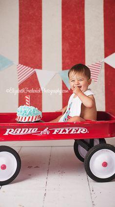 Little Red Wagon Smash the Cake Session | CT Smash Cake Photographer | Elizabeth Frederick Photography