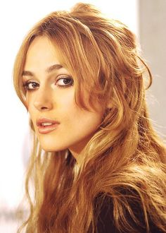 Keira Knightley Keira Knightley Hair, Keira Christina Knightley, Orlando Bloom, Johnny Depp, Rachel Welch, Caramel Blonde, Natural Hair Styles, Long Hair Styles, Actrices Hollywood
