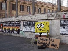 Showbiz ruined me Street Art Utopia, Street Art Graffiti, Parks In New York, Photographie Street Art, Art Banksy, Rome Streets, Cool Pictures, Funny Pictures, Urban Furniture