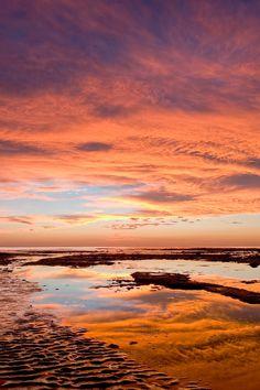 https://flic.kr/p/4bu42F | Encinitas Sunset | Glorious sunset at Swami's beach in Encinitas, CA  Nikon D50, 18-200VR, 2 stop ND grad filter