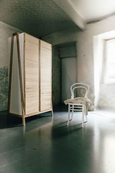 FRAME is as series of 3 furniture pieces that function as a desk, hall stand or wardrobe. The central frame made of solid high-quality birch wood can be modula Hall Stand, Clothes Rail, Furniture Design, Shelves, Wood, Austria, Frame, Drawers, Studio