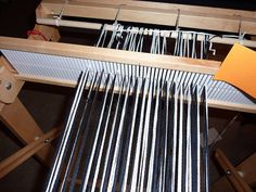 direct warp method for log cabin on rigid heddle loom. nice tutorial here