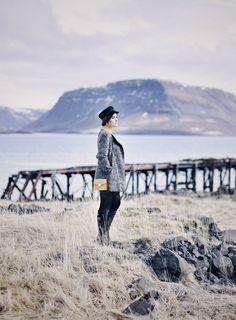 70er Jahre Outfit, modernes 70er Outfit, modernes retro Outfit, 40er Jahre Outfit, modernes 40er Outfit, 70er Jahre Look, 40er Jahre Look, Lifestyle Blog, Island Blog, Iceland Blog, verlassener Ort in Island, Ruinen in Island, Geheimtipp Island, Geheimtipps Island, Like A Riot