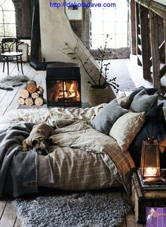 Embrace imperfection – hygge isn't about transforming your home into something from a magazine shoot. Make sure your hygge fits you! Deco Design, Design Design, Design Homes, Smart Design, Dream Bedroom, Fall Bedroom, Teen Bedroom, Bedroom Bed, Bachelor Bedroom