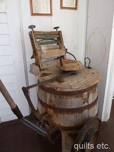 old fashioned washing machine - est late 1800's?