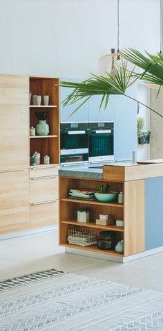 Traumhafte Walden Holz Küche Solid Wood Furniture, Küchen Design, Corner Desk, Oriental, Bookcase, Shelves, Home Decor, Kitchen Ideas, Play