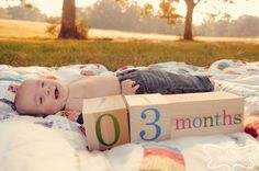 Cute idea! Monthly baby photos with numbered blocks