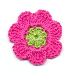 Versier je tas, sjaal, agenda, haarband of kleding met gehaakte bloemen. Haakpatroon bloem met 7 blaadjes, eenvoudig te haken en zo klaar.