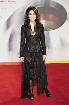 Katie Melua – Nachhaltigkeitspreis Gala in Duesseldorf 2011 Katie Melua, Wallpaper Maker, Goth, Beautiful Women, Singer, Actresses, Celebrities, Model, Inspiration