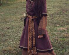 Début manteau médiéval pour femme slaves viking par DaleboraCrafts