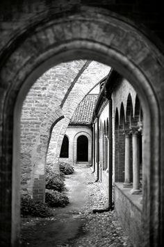 medievallove:Abbazia di Staffarda by Anteriorechiuso Santi Diego on Flickr.