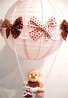 Balão rosa e marrom para decorar o quarto do bebê