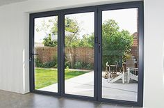 Most up-to-date Photos Garden Patio bifold doors Thoughts There's much to consider in regards to planning your perfect garden patio. Grey Windows, Upvc Windows, Windows And Doors, Panel Doors, Interior Barn Doors, Exterior Doors, Entry Doors, Folding Patio Doors, Bifold Doors Onto Patio