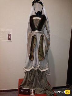 Galería de fotos: Exposición – Los trajes de la serie - Isabel. Vestido del personaje Beatriz de Bobadilla.