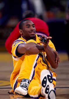 Los Angeles Lakers' Kobe Bryant scored 60 points in his final NBA game for one of the best exits in sports history. What other icons made the cut? Kobe Bryant Family, Kobe Bryant 24, Lakers Kobe Bryant, Los Angeles Lakers, Kobe Bryant Championships, Dear Basketball, Kobe Bryant Pictures, Nba Pictures, Kobe Bryant Black Mamba
