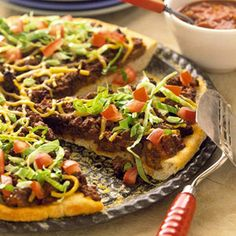 Tostada Pizza - Kids will love this fun dinner recipe that features two favorite foods: pizza and tacos! They used to do taco pizzas, they were yummy. Best Dinner Recipes, Pizza Recipes, Beef Recipes, Cooking Recipes, Healthy Recipes, Kraft Recipes, Quick Recipes, Amazing Recipes, Cooking Tips