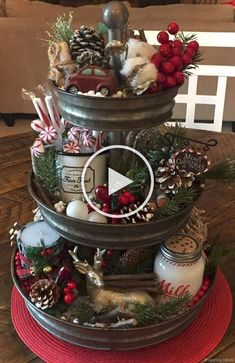 Beautiful, elegant and cozy Christmas centerpiece ideas to decorate your home fo. - Beautiful, elegant and cozy Christmas centerpiece ideas to decorate your home fo… - Elegant Christmas Centerpieces, Farmhouse Christmas Decor, Christmas Table Decorations, Christmas Kitchen, Cozy Christmas, Country Christmas, White Christmas, Christmas Ideas, Christmas Design
