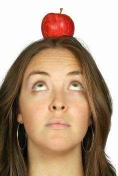 Profumo di benessere: CAPELLI CHE CADONO? DIETA E INTEGRATORI POSSONO AI...