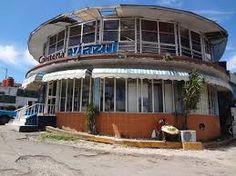 Parten de la Habana, Cuba y llegada en Santiago de Cuba. Existe sólo un tipo de billete. Costará cerca de $55 para viajar a Santiago de Cuba. Saldrá alrededor 6:00 y llegará en la tarde en alrededor 21:00 sin paradas. El viaje en total es cerca de 15.5 horas de largo.