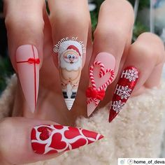 """💋 Perfect Nails 🌎 on Instagram: """"Christmas time! ❤️ Nail Artist: @home_of_deva ✔️🌟🌟🌟 💝 Tap photo to see artist page link. Follow her for more gorgeous nail art designs!…"""" Soft Nails, Polygel Nails, Xmas Nails, Holiday Nails, Cute Nails, Pretty Nails, Nail Nail, Holiday Nail Designs, Simple Nail Designs"""