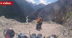Motociclista Percorre Uma Das Estradas Mais Perigosas Do Mundo