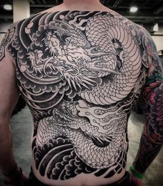 Body art painting back design Ideas Dragon Tattoo Full Back, Dragon Tattoo Sketch, Dragon Tattoos For Men, Full Back Tattoos, Dragon Tattoo Designs, Japanese Back Tattoo, Japanese Dragon Tattoos, Japanese Tattoo Designs, Japanese Sleeve Tattoos