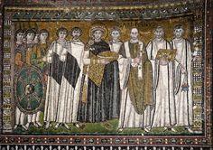 Emperador Justiniano y sus asistentes - Mosaico de la iglesia de San Vitale en Ravena, Italia, 547