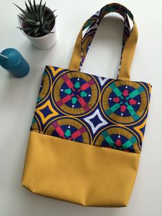 African Accessories, Bag Accessories, Clutch Bag Pattern, Ankara Bags, Diy Sac, Diy Jewelry Projects, African Men Fashion, Boho Bags, Fabric Bags
