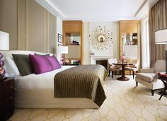 Stay in a luxury hotel room in the heart of the city. Each Executive King room is designed to offer the ultimate comfort. Book here and experience Corinthia. London Hotels, Executive Room, Discount Bedroom Furniture, Bedroom Decor, Bedroom Ideas, Master Bedroom, Home Decor, Bedrooms, Bedroom Suites