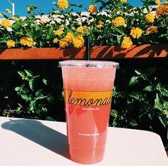 Love a lemonade Summer Aesthetic, Aesthetic Food, Food Goals, Food Cravings, Summer Drinks, Good Mood, Belle Photo, Summer Vibes, Love Food