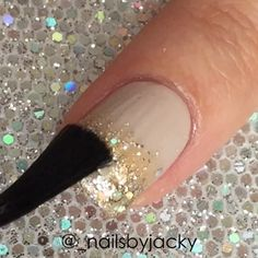 Tutorial ▶️ for my glitter gradient - For my base color I used Essie Sand Tropez. For the gradient I used OPI Love.Angel.Music.Baby