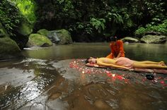 The sensual Nandini Jungle Resort & Spa in Ubud, Bali - Where lying face-down in a muddy river is much more pleasurable than it sounds! Jungle Resort, Resort Spa, Spa Massage, Massage Therapy, Book Cheap Hotels, Health Retreat, Relax, Luxury Holidays, Bali Travel
