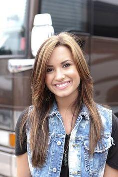 Demi Lovato Brown Hair   what is best demi lovato hair colour - POLLpigeon.com