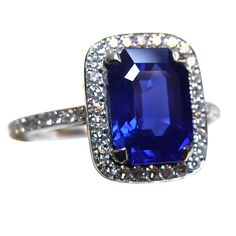 Exquisite and Rare Kashmir Sapphire  Diamond Ring (=)