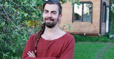 Henri Lokki rakensi itselleen minitalon ja nyt hän opettaa sellaisen tekemistä muillekin. Ensimmäinen kurssitehtävä on hahmottaa, millaista elämää haluaa elää.